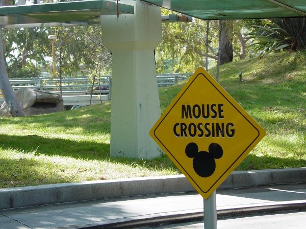 DL Autopia Mouse Crossing