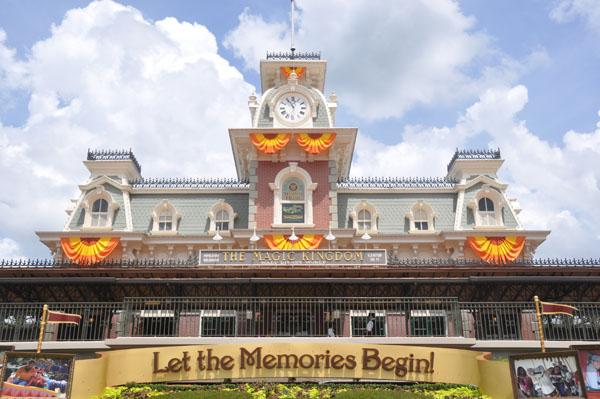 its halloween again at the magic kingdom the dis unplugged disney podcast - Disney World Halloween Decorations