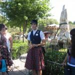 Disneyland_WaltsFootsteps_pettree
