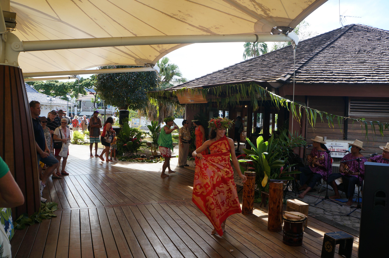 023_Papeete-greeters
